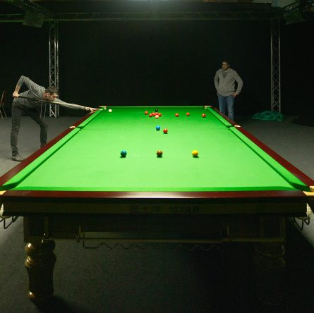 Snooker-pool-table